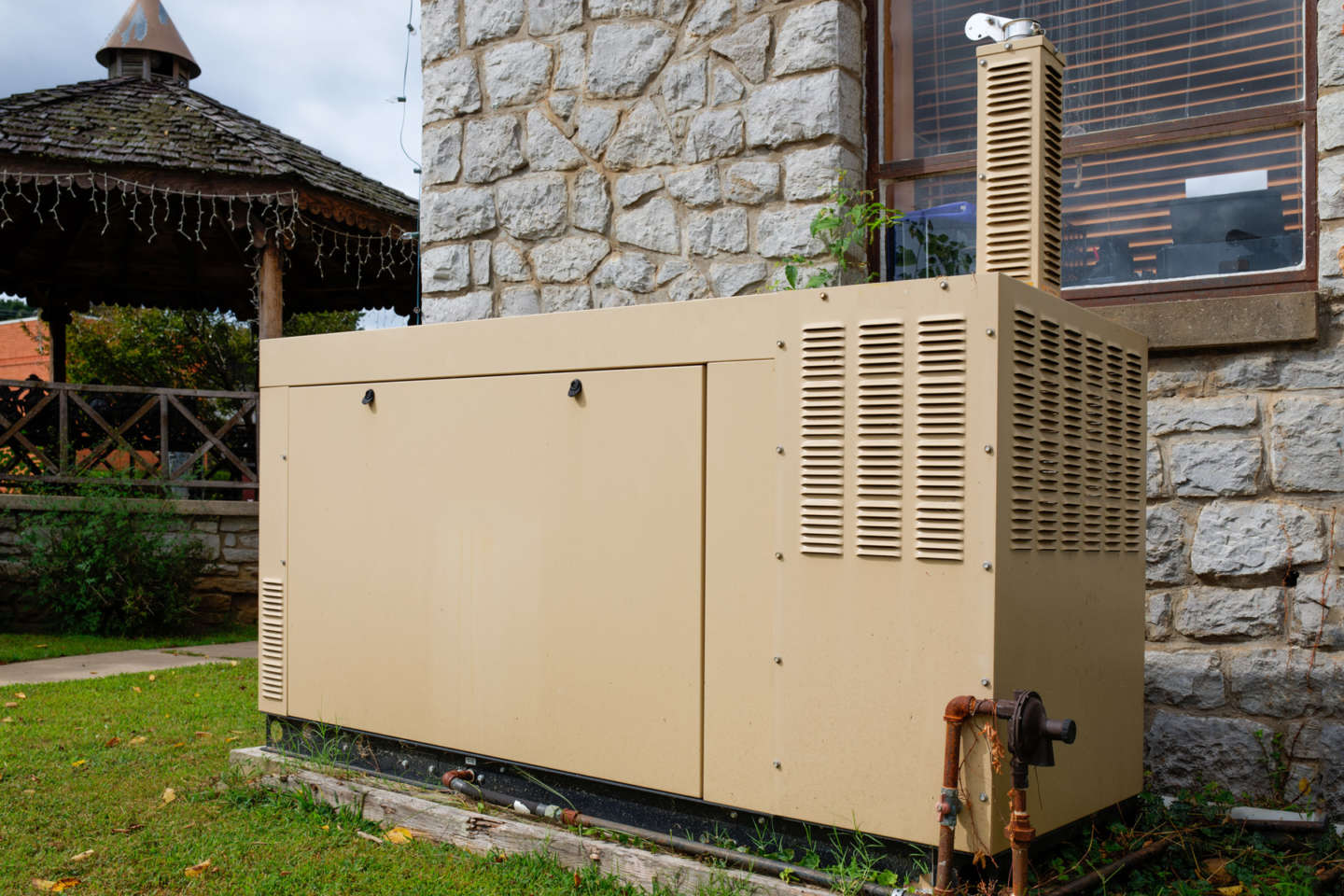 Commercial backup generator installation services