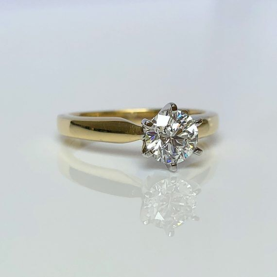 18ct Yellow Gold & Brilliant Cut Diamond Solitaire
