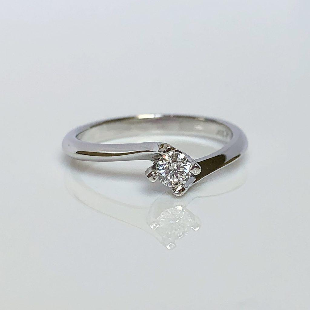 18ct White Gold & Diamond Twist Ring