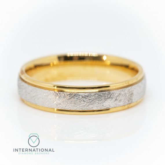 Gents Brushed YG WG Textured Band