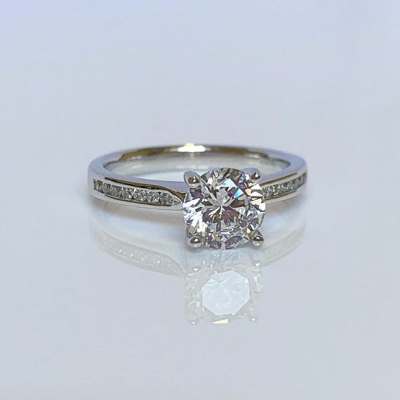 18ct White Gold & Diamond Solitaire Ring