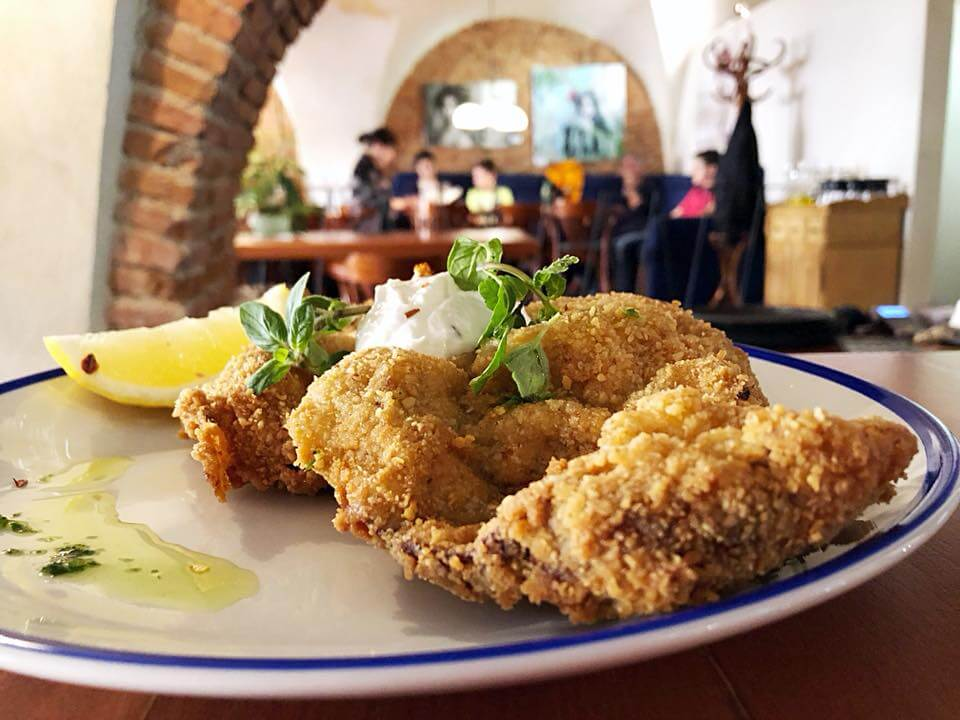 brasov restaurants Restaurante brasov where to eat brasov romania