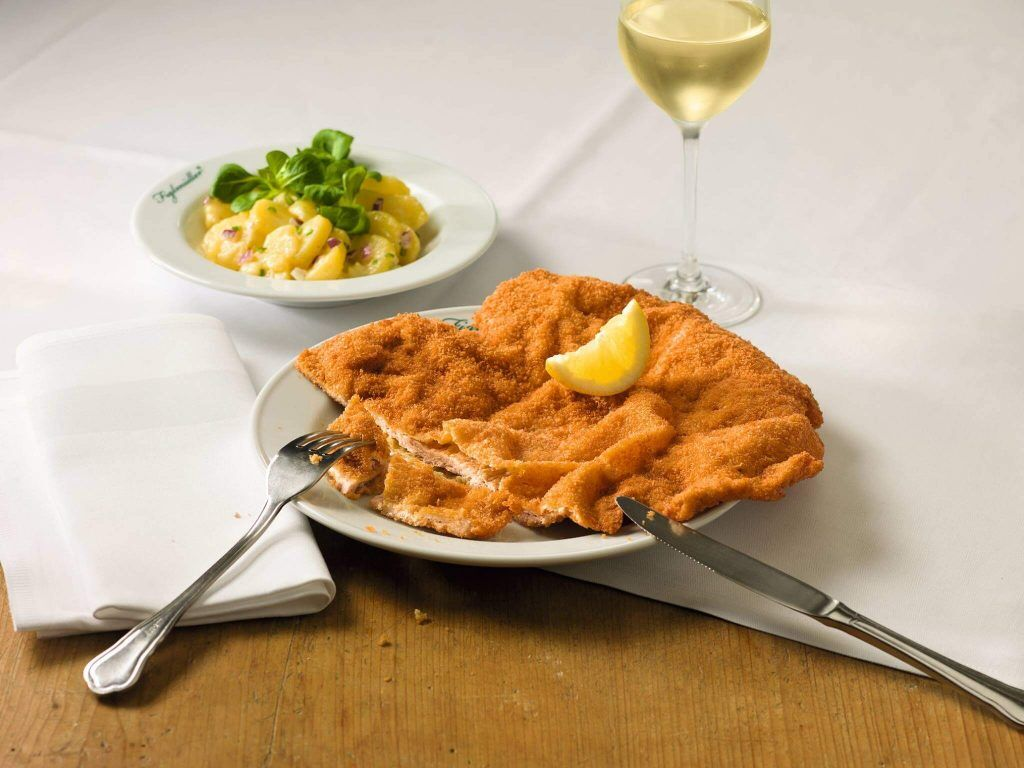 Viennese schnitzel best schnitzel in Vienna