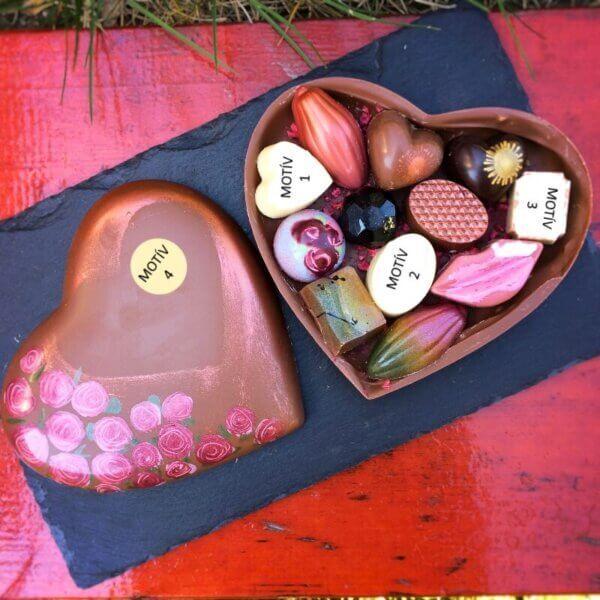 Čokoládové srdce plné praliniek - vlastný motív