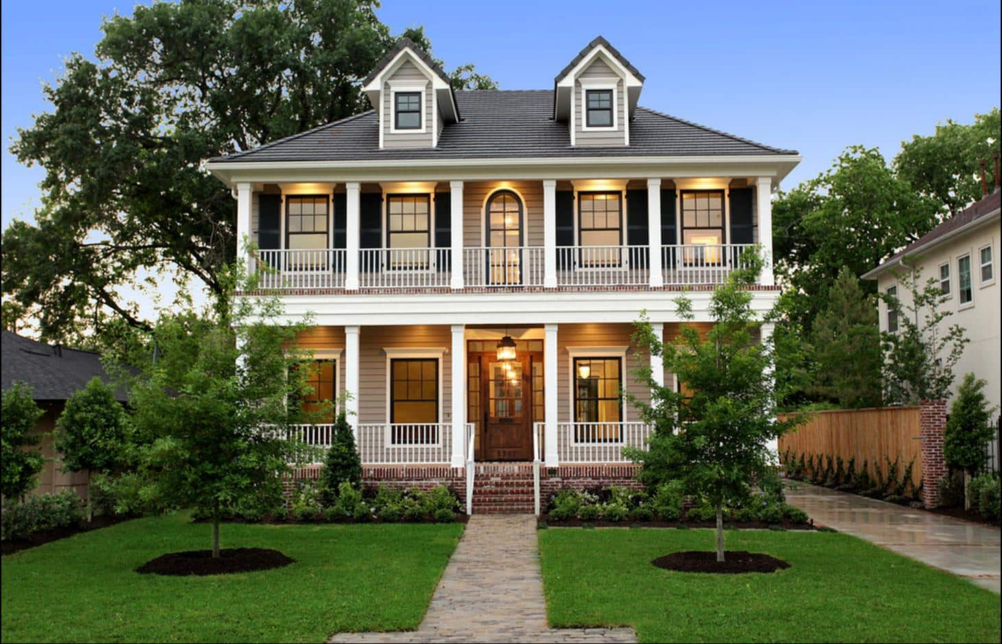 Upscale modern Southern Style home designs