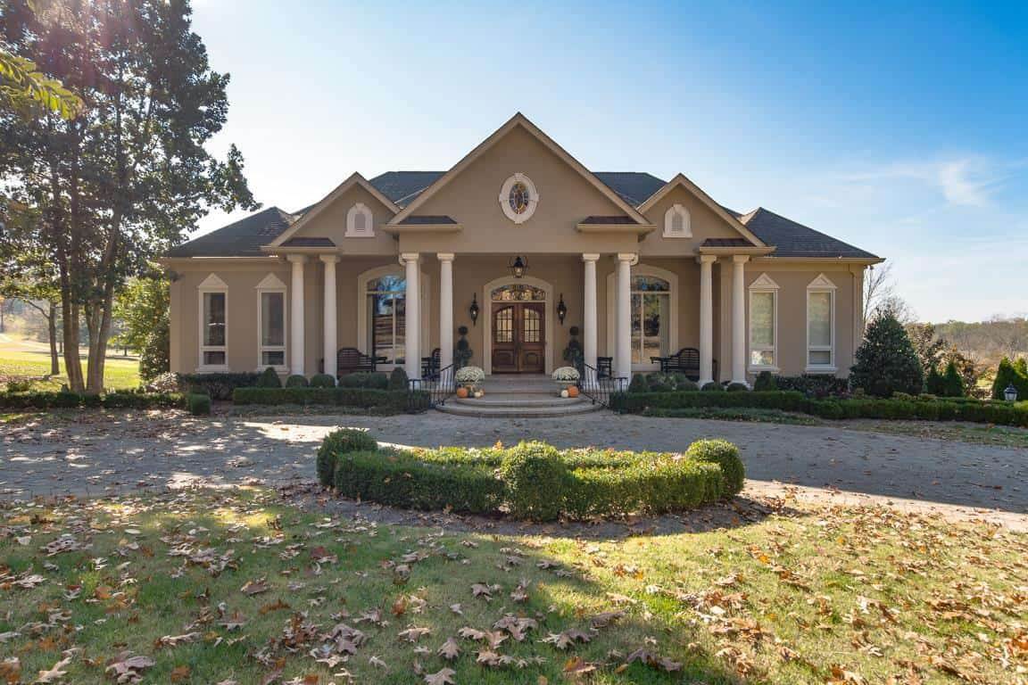 Luxury homes Clarksville TN