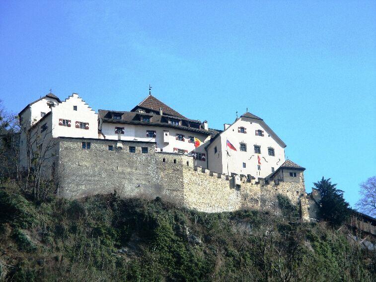 The Grüschaweg Trail: Vaduz Castle and legends in Liechtentstein