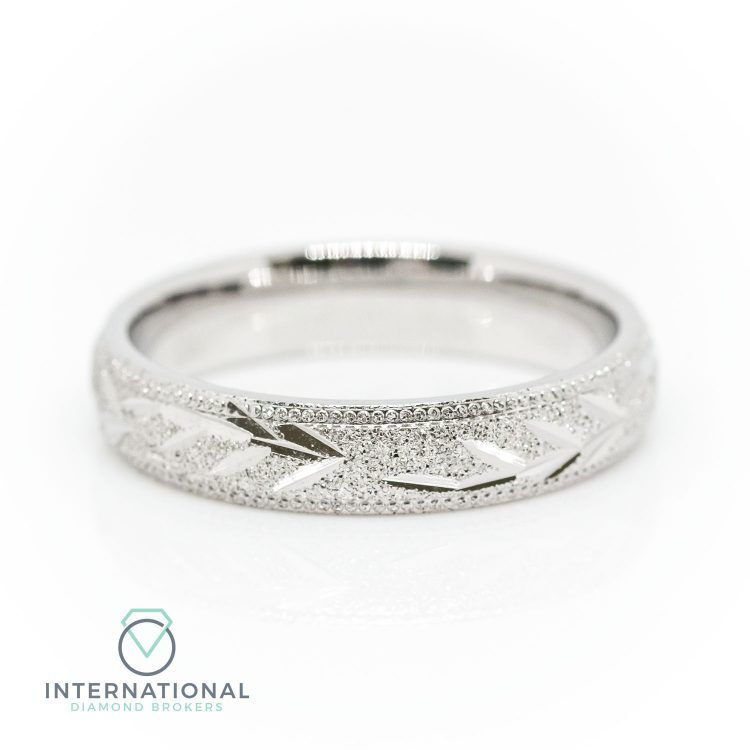 Ladies 3mm 18ct White Gold Etched Floral Patterned Wedding Ring