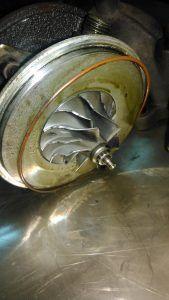 Разберем саму турбину и оценим состояние деталей